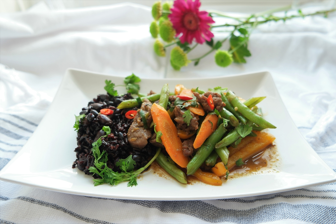Bette than take-out: Beef in black bean sauce
