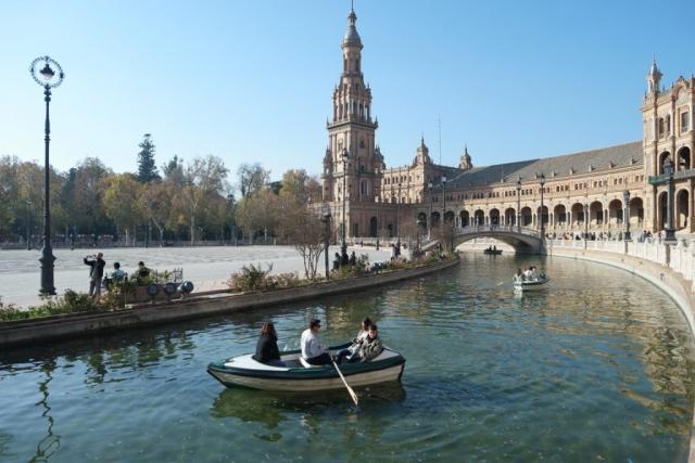 Seville_PlazaDeEspana_Boatride