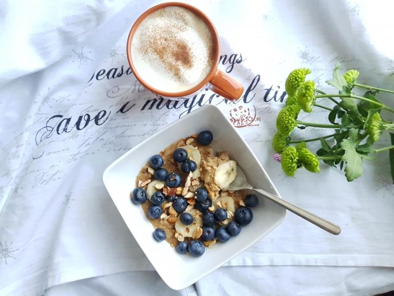 Quick brekkie – Microwave banana peanut butter oatmeal
